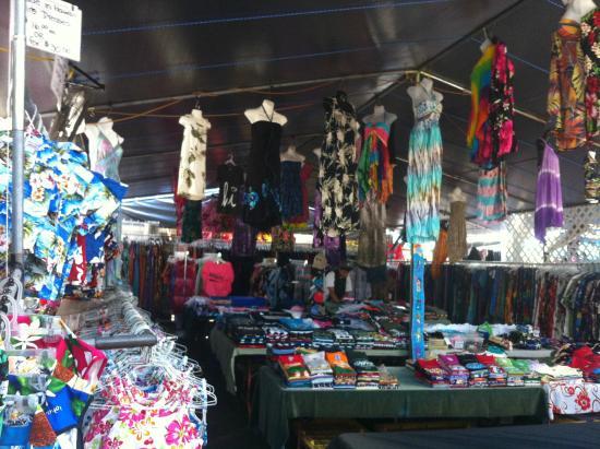 Kona Farmers Market : 의류들
