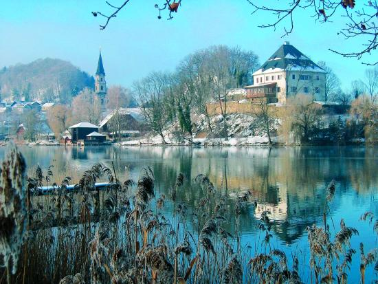 Winter Schloss Mattsee