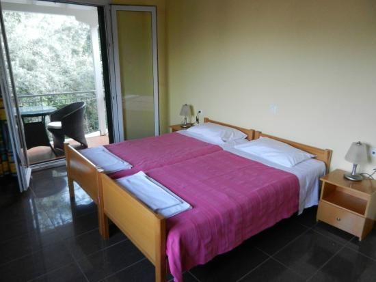 Ilios Apartments: Camera