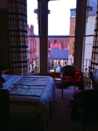 Ambassador Hotel : Room length window