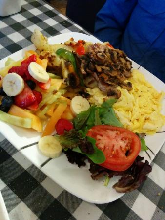 Baker Street Cafe: Pork patties and eggs