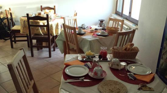 Fox's Hill Bed & Breakfast: La prima colazione