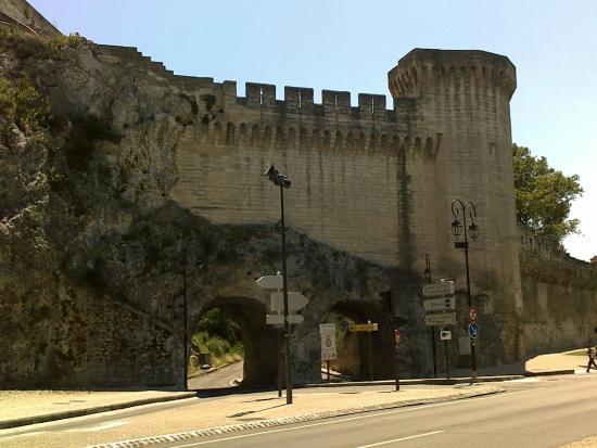 Danieli Hotel : Walls from city