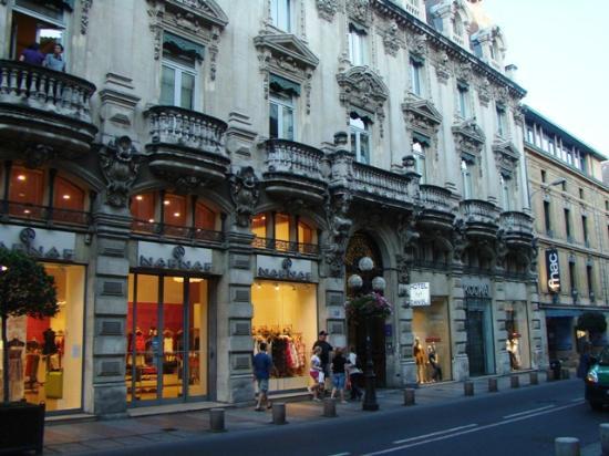 Danieli Hotel: Street view