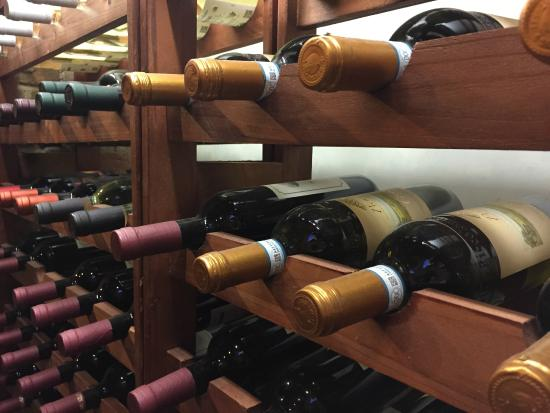Il Melograno: I vini della Val di Cornia: una specialità!