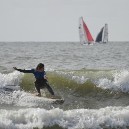 De Koog, The Netherlands: Surfschool Texel Paal 17