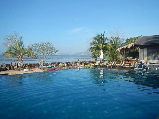 Islanda Hideaway Resort: piscine