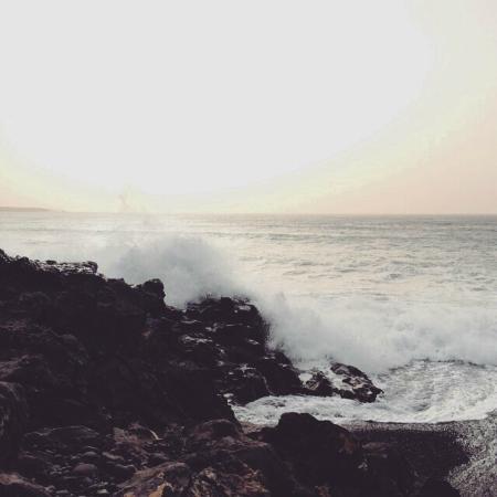 Playa del Janubio: waves