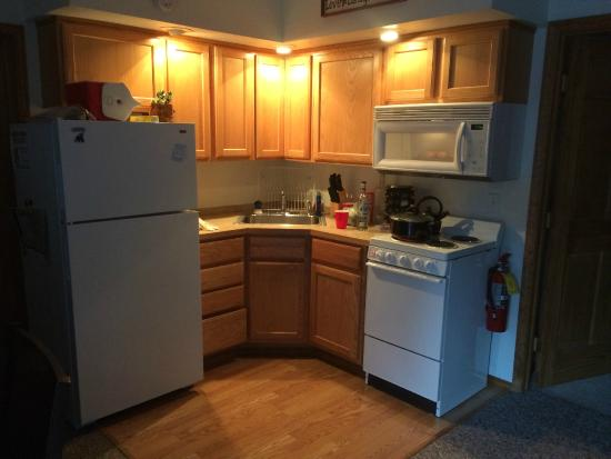 Bears Den B&B and Lodging: Kitchen