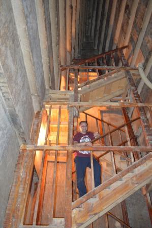 Foto de pir mides de dahshur giza interior de la for Interior de una piramide