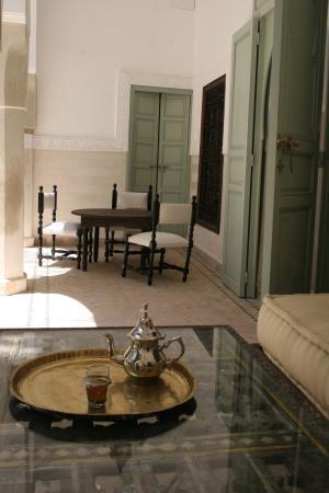 Riad Majala: Dans le patio