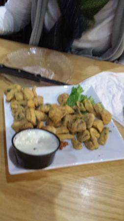 Boscawen, NH: Fried mushrooms with dips
