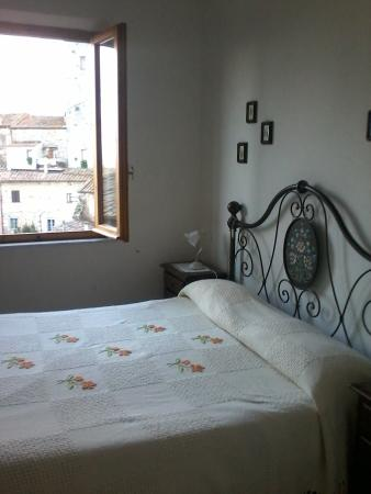 Fabio Apartments San Gimignano: Comfort and Tuscan Style