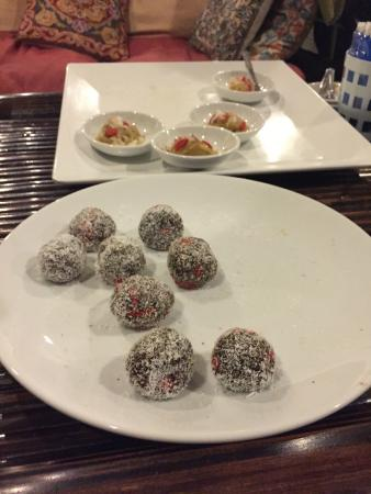 Phuket Cleanse: Raw chocolate sweets!