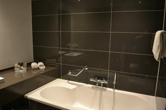 badkamer (bad) - foto van van der valk hotel almere, almere, Deco ideeën