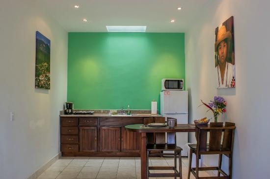 Downtown Suites : Kitchen in suite