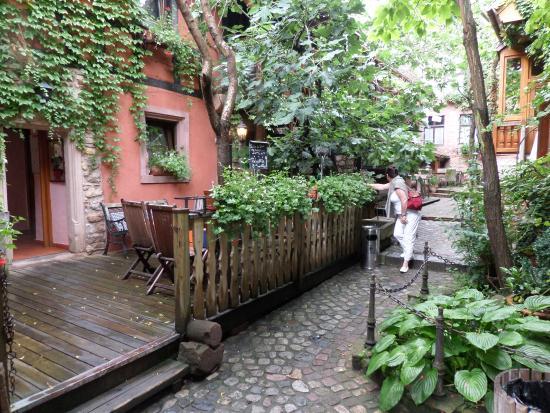 Hôtel Chez Norbert : la jolie cour intérieure...
