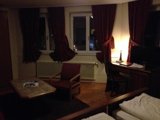 Hotel Mozart: beautiful windows