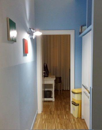 Ripetta 25: corridoio tra 2 camere