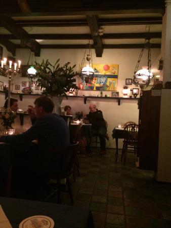 Oud Zandvoortsch Vischrestaurant De Meerpaal: Normal day