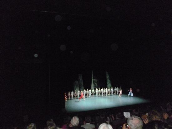 """""""Les Ballets de Monte-Carlo"""" at the """"Théâtre National de Chaillot"""" in Paris"""