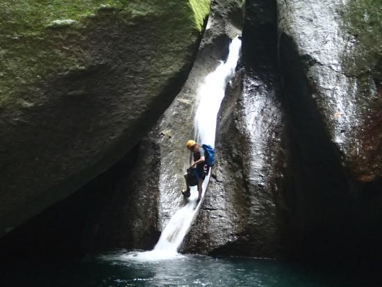 Ti Nath Kanion, canyoning in DA : Rappelling in Titou Down