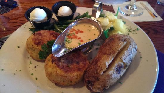 Courtney's Continental Cuisine: Crab Cakes