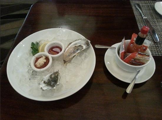 McCormick & Schmick's Seafood - Rosemont : Canadian Mapquest and British Columbian Oysters