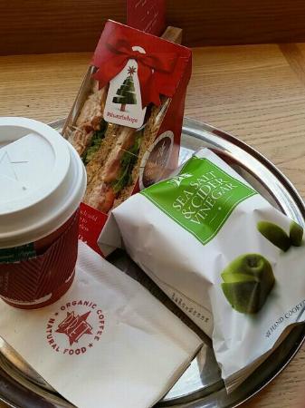 Pret A Manger: Mint Tea and Lunch