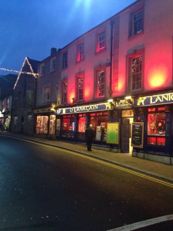 Lanigan's Bar & Restaurant: In love with this Irish Pub! The best!