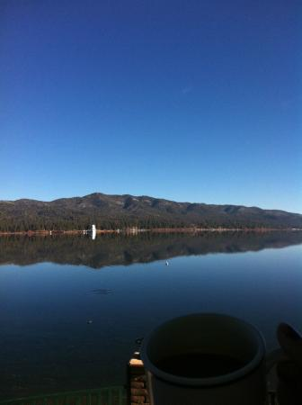 Lagonita Lodge: The amazing view from the balcony of our lake view room!