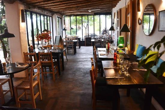 Bistro Plaza Santa Gertrudis: Le porche