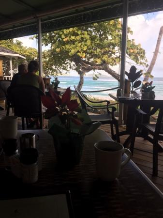 Long Bay Beach Club: breakfast with a view