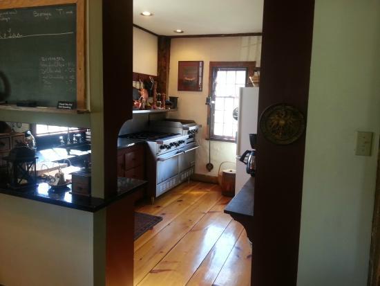 Grist Mill House: Kitchen