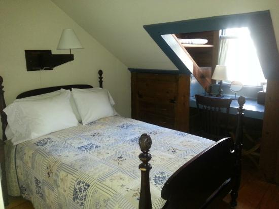 Grist Mill House : Bedroom