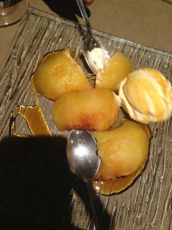 Roasted Apples and icecream