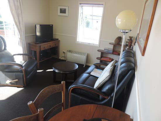Lake Tekapo Holiday Homes: Lounge