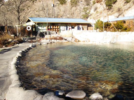 Cottonwood Hot Springs Inn & Spa : Rustic and gorgeous