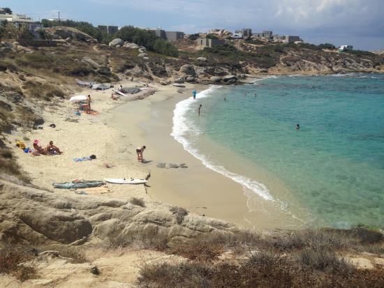 Kontos Studios: widok na kameralną plażę