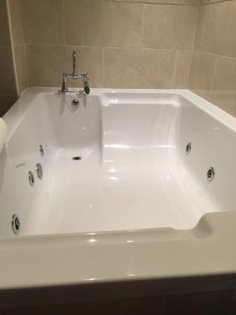 Best Western Beamish Hall Country House Hotel: Large Bath