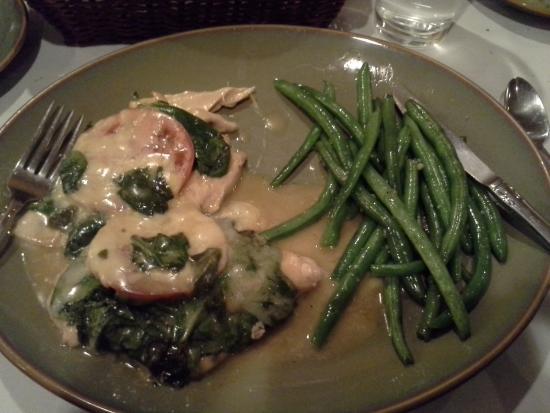 Brazie's Italian Restaurant: Chicken Florentine with Green Beans