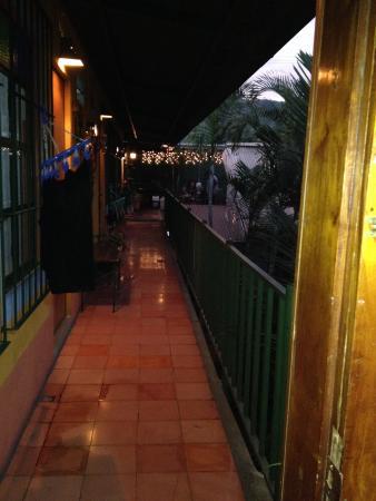Posada Juma Ocag: Bathrooms were Guatemala style