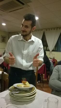 Ristorante Hostaria Vestina: cameriere