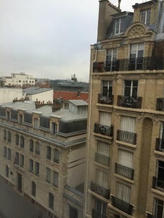 Ibis Paris Bastille Faubourg Saint Antoine 11eme: View from the room