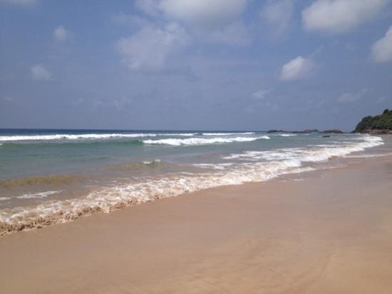 Bentota, Sri Lanka: пустынный пляж