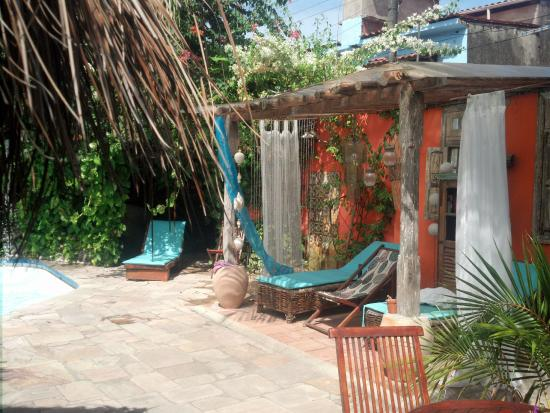 Pousada Porto Verde : Área próximo a piscina e ducha