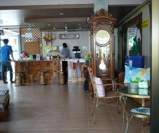 Srichada Hotel : gentille et drôle dame de la réception