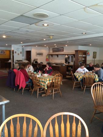 120 Taphouse & Bistro: Dining Room