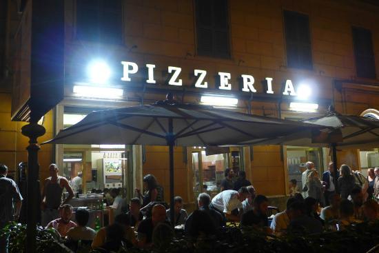 Tavoli Di Marmo Viale Trastevere : Entrance foto di pizzeria ai marmi roma tripadvisor