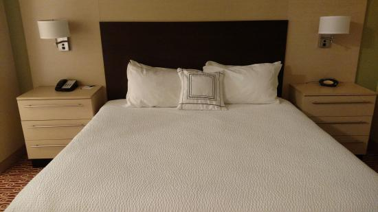 TownePlace Suites Laconia Gilford : comfy king